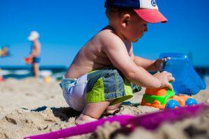 800w-man-beach-sea-sand-play-boy-690188-pxhere.com